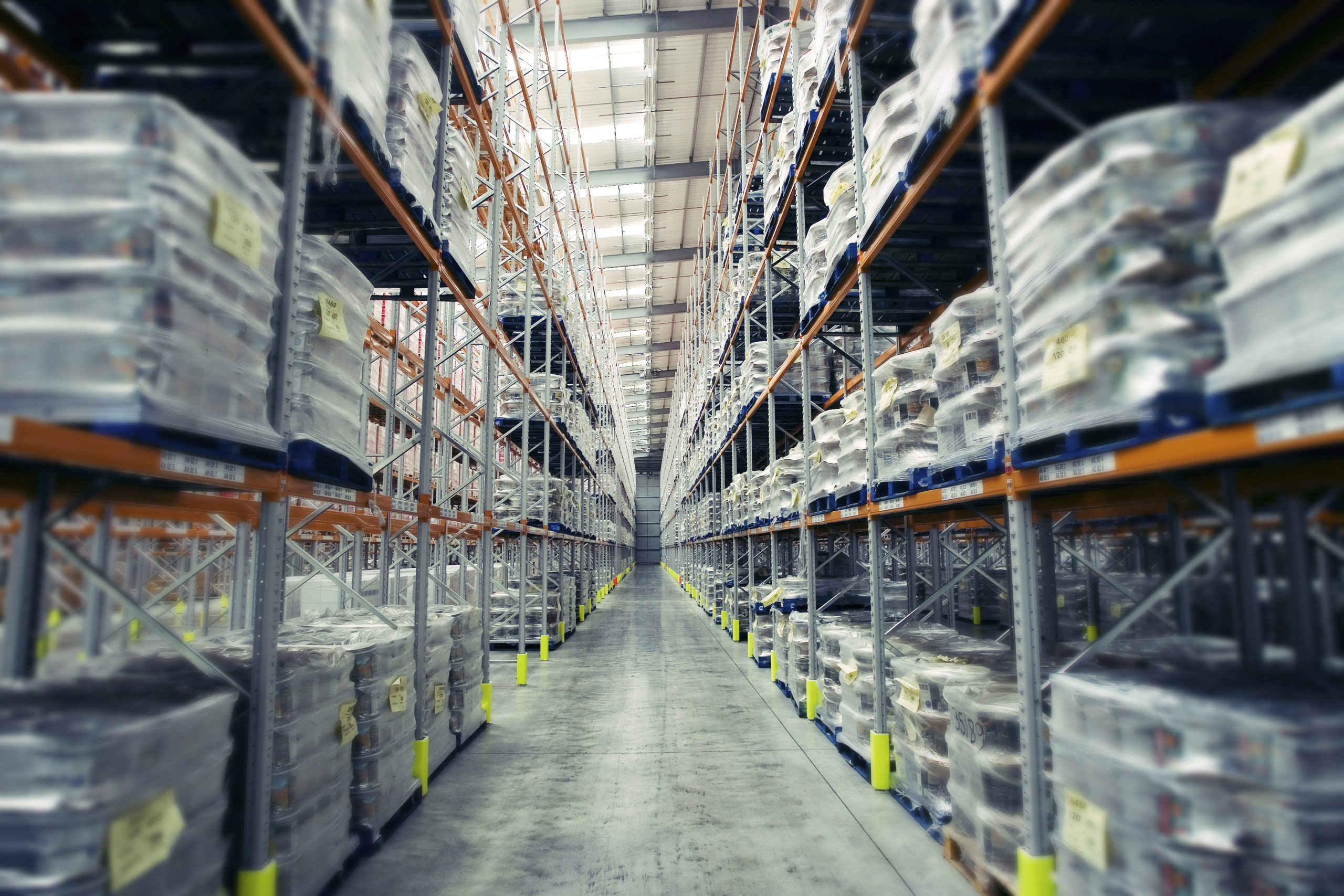Are distribution companies the winner in the crisis?